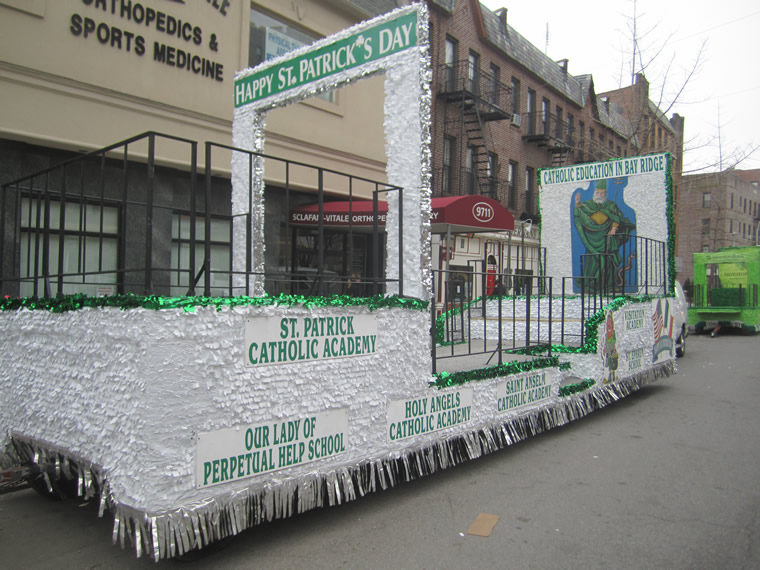 St Patrick's Day Parade Float 012
