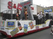Peru Parade Float 003