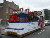 Peru Parade Float 016