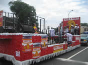Peru Parade Float 018